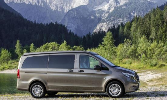 vienna airport to city mercedes vito minibus